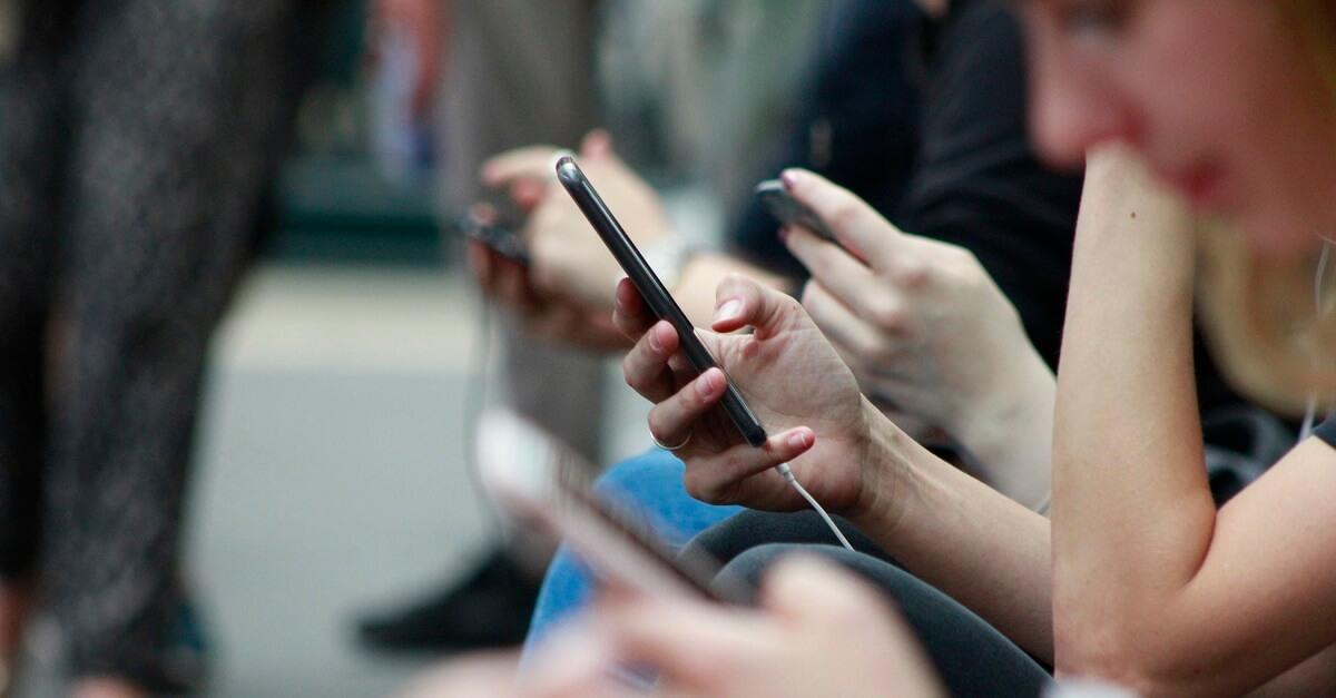 Особенности совершения покупки в социальных сетях